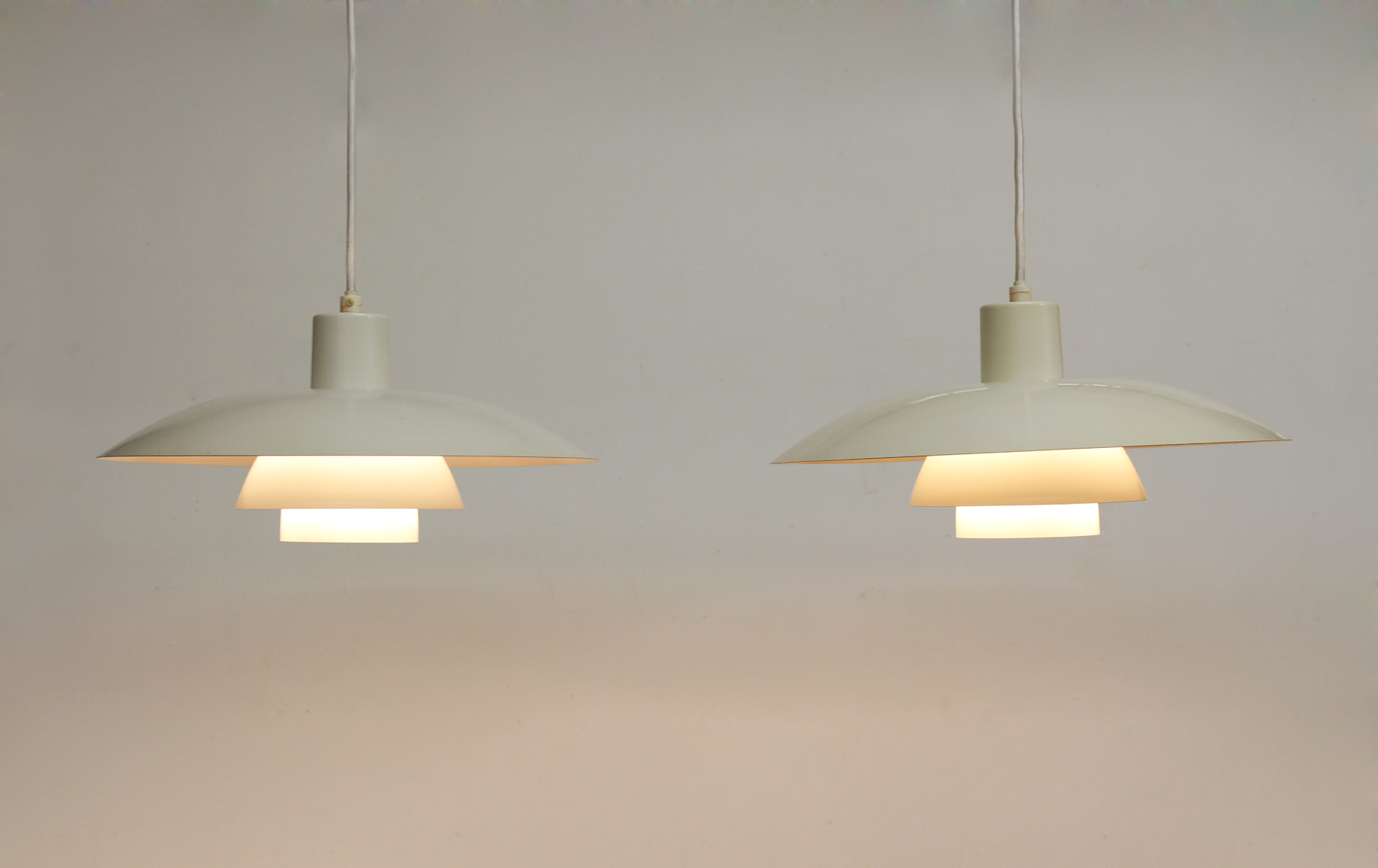hanglamp 4 lampen simple hanglamp with hanglamp 4 lampen great louis poulsen ph lamp van poul. Black Bedroom Furniture Sets. Home Design Ideas