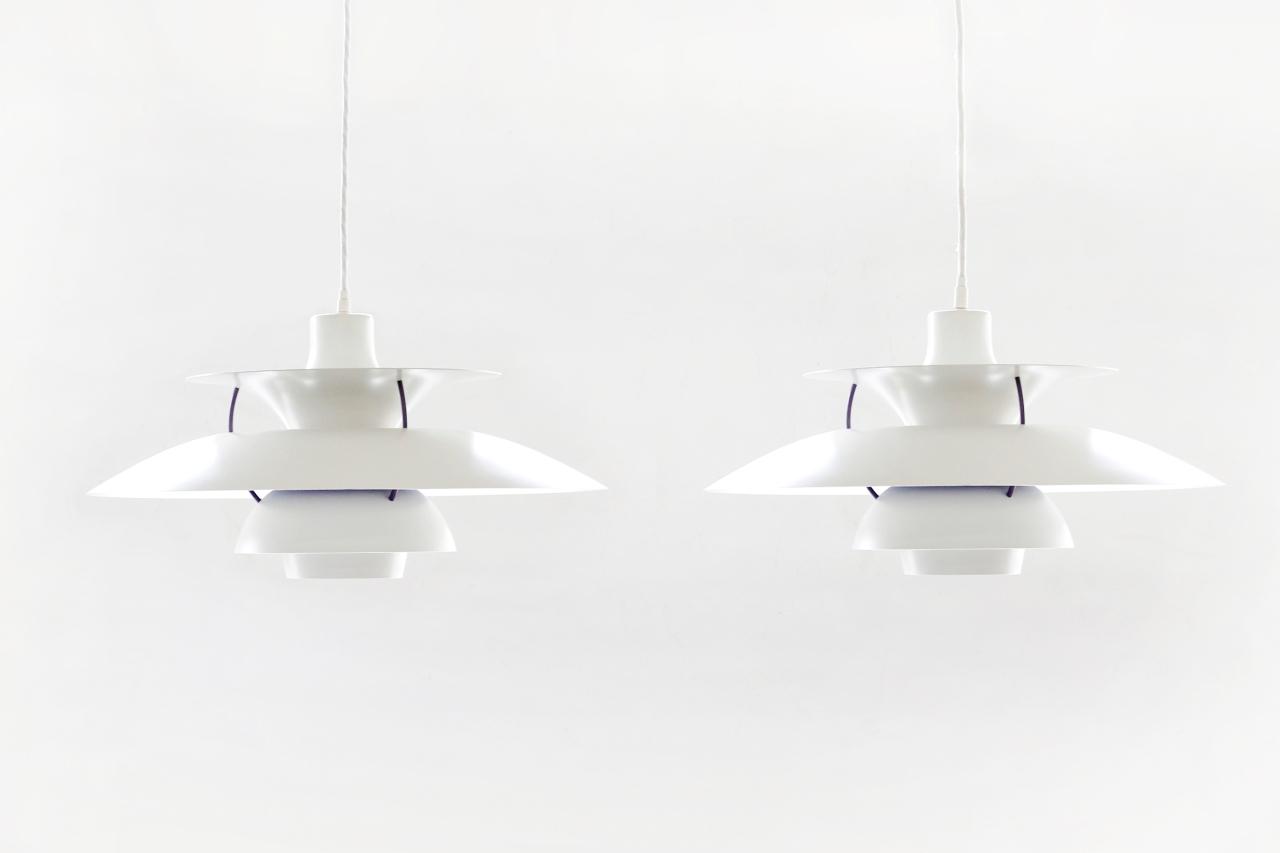 set van twee poul henningsen ph5 lampen voor louis poulsen van ons. Black Bedroom Furniture Sets. Home Design Ideas