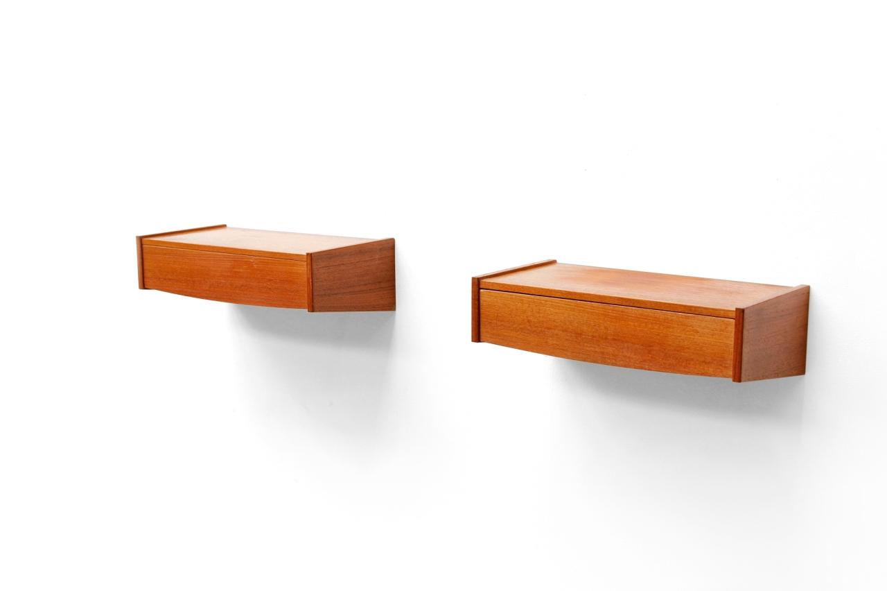 Zwevend Nachtkastje Hout.Twee Zwevende Deens Design Nachtkastjes Van Ons
