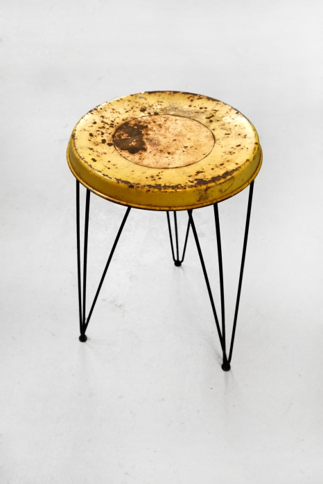 Restauration Pilastro stool before