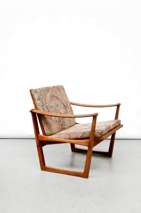 Restauration Finn Juhl armchair before