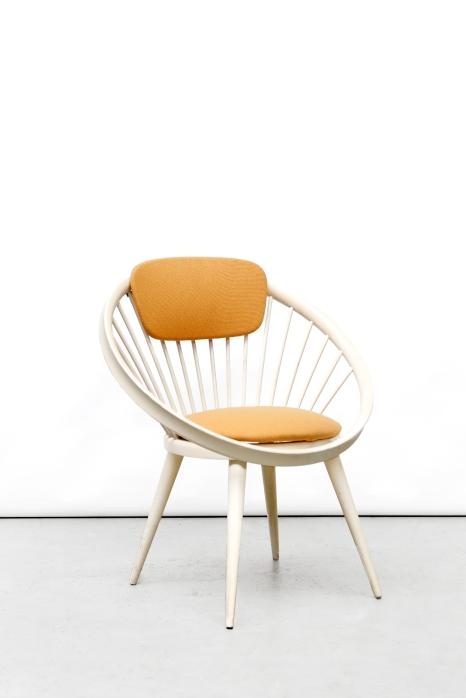 Restauration Yngve Ekstrom circle chair after