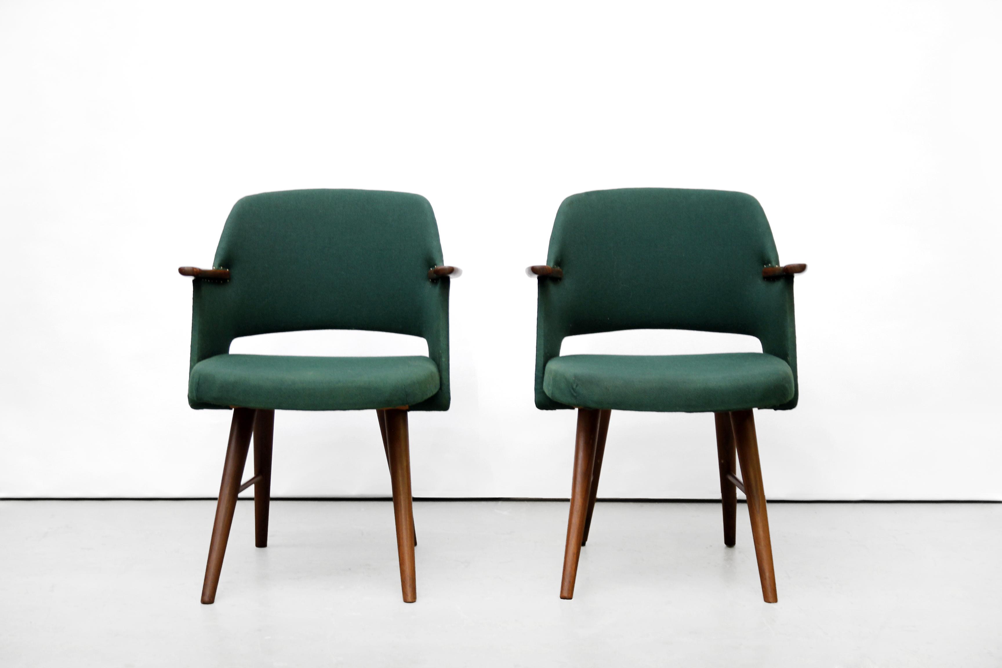 Design Pastoe Stoelen : Twee teakhouten pastoe ft eetkamerstoelen van cees braakman