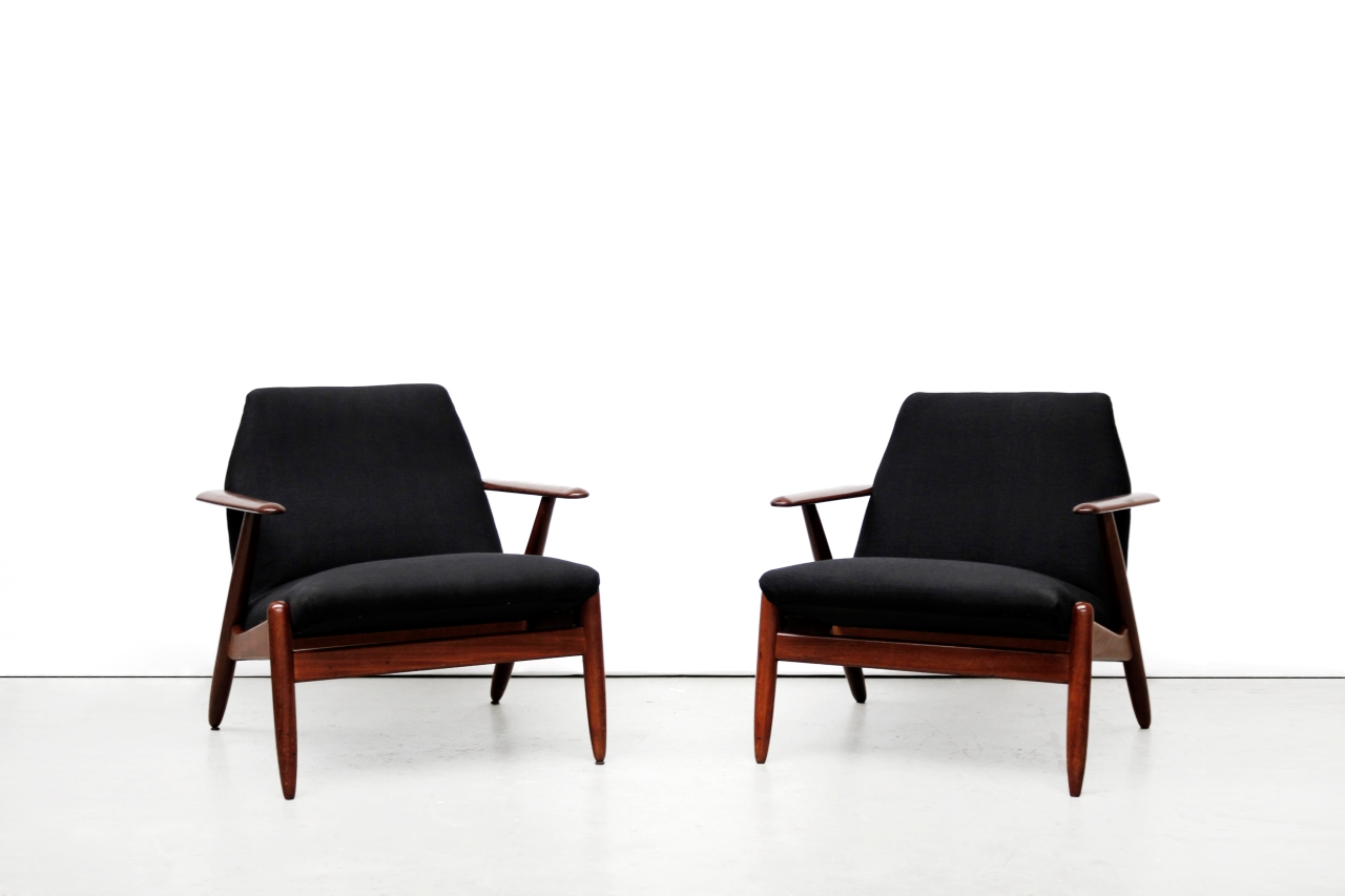 twee mid century modern design fauteuils van ons. Black Bedroom Furniture Sets. Home Design Ideas