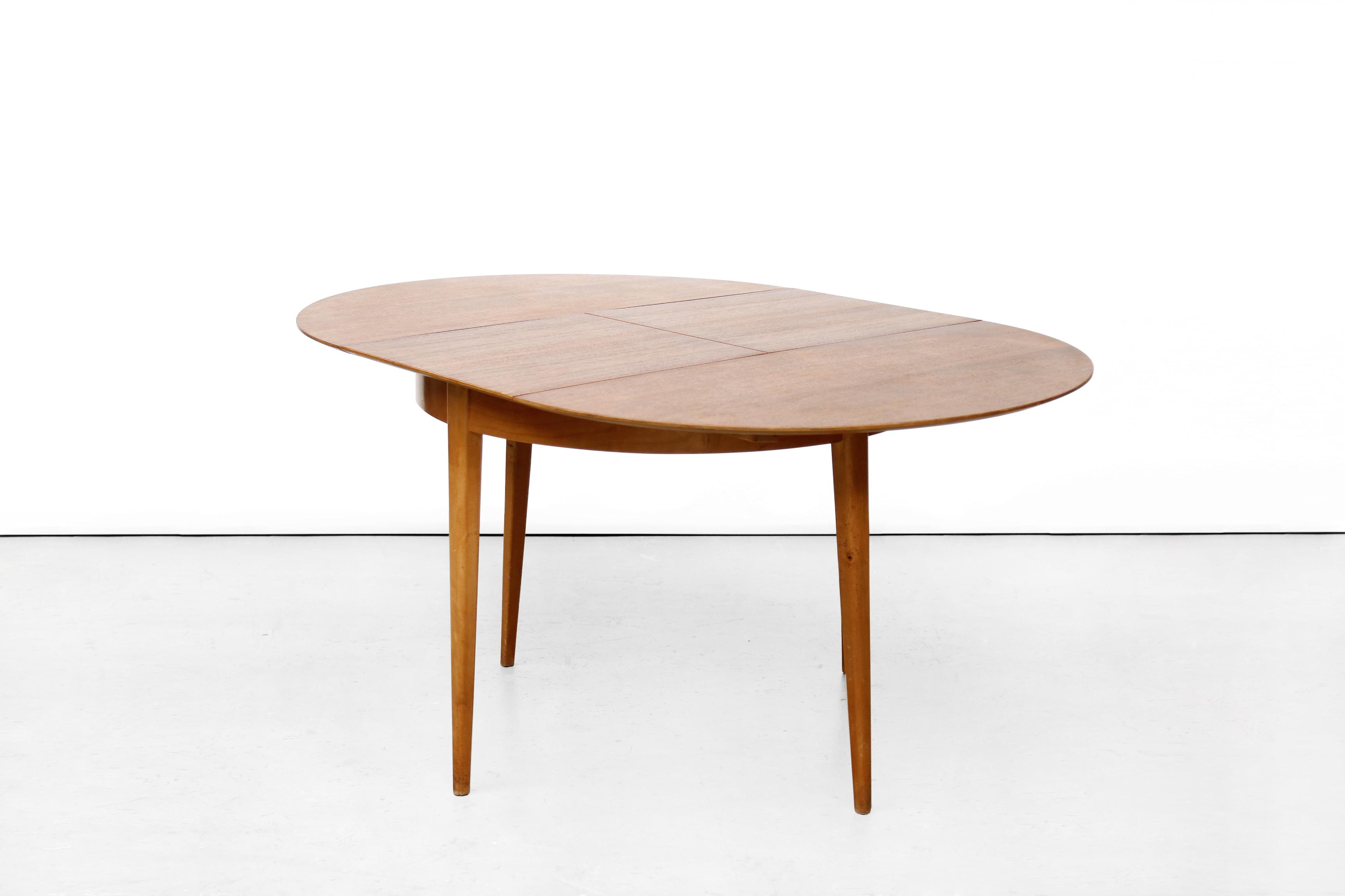Eetkamer set pastoe tb35 ronde uitschuifbare tafel van cees braakman