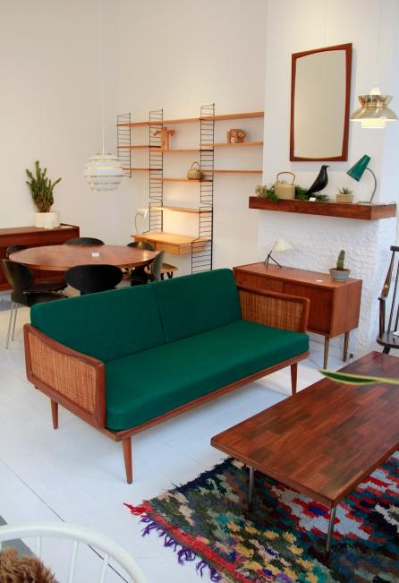 VAN ONS vintage kerstmarkt met design meubels