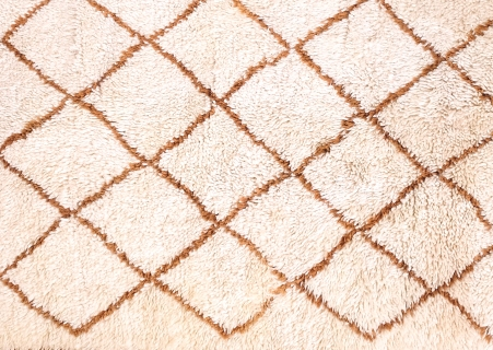 Originele vintage wollen Marokkaanse Beni Ouarain tapijt VAN ONS winkel in Amsterdam