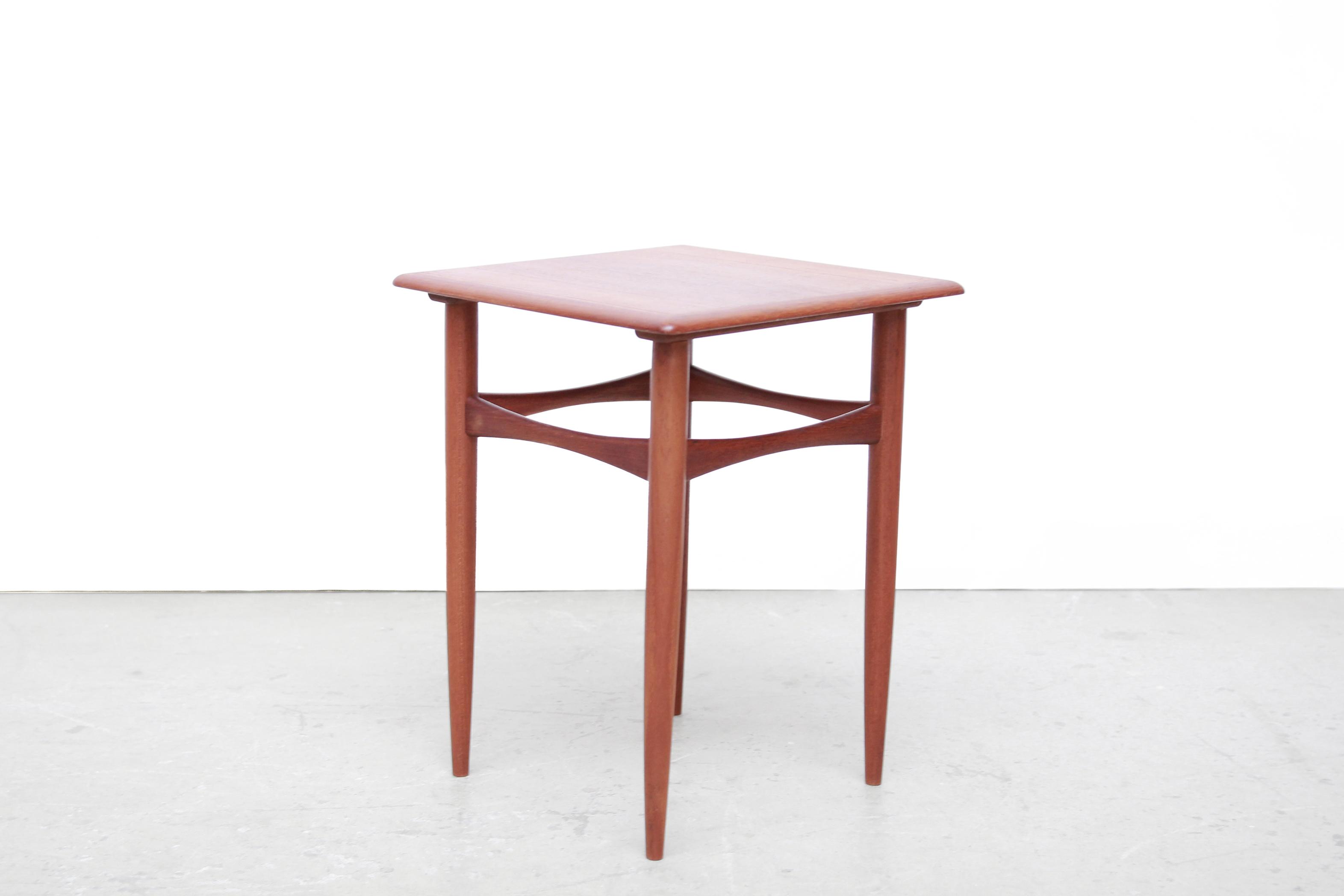 Bijzettafel Modern Design.Hundevad Teakhouten Bijzettafel Teak Side Table Van Ons Mid Century