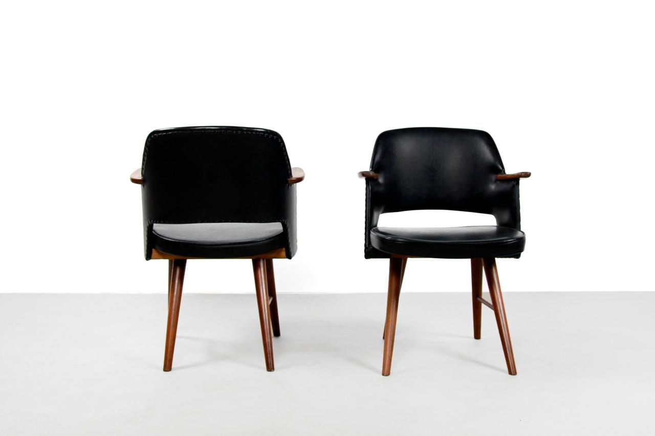 Twee Design Stoelen.Twee Teak Pastoe Ft30 Stoelen Van Cees Braakman Van Ons